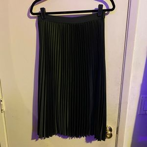 H&M A-Line Pleated Skirt Midi Length